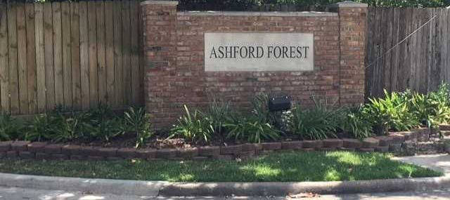 photo of Ashord Forest entrance sign