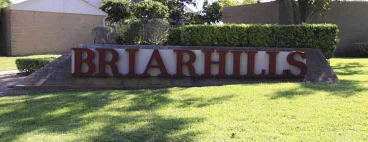 Briar Hills entrance sign
