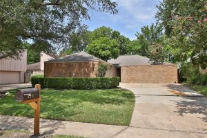 Beautiful and Completely Updated Home - 77077